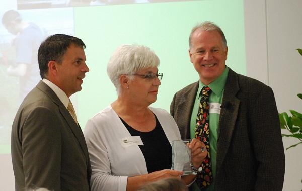Barbara-Quattro-Trees-for-Houston-Award